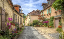 Copy of Dordogne-village-iStock_000040002452_Medium